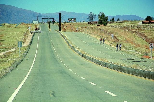Empresas chuquisaqueñas apuntan a  construir doble vía Sucre-Yamparáez