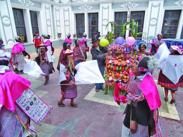 Pujllay busca pasar cifra de visitantes