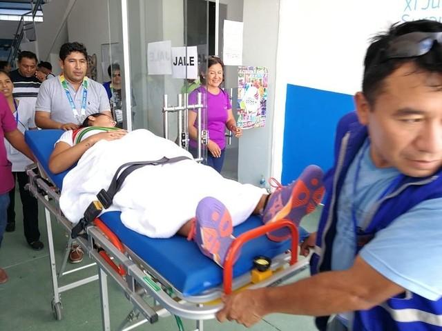 Tenista boliviana vence a su par de Perú, pero ambas terminan hospitalizadas