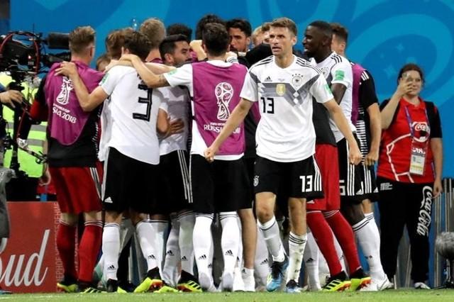 Alemania sufre para ganar y se mantiene viva en el Mundial