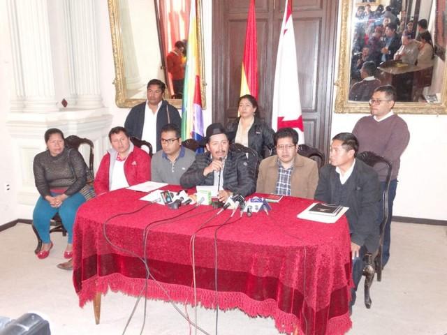 Gobernador se lanza en campaña para la reelección de Evo