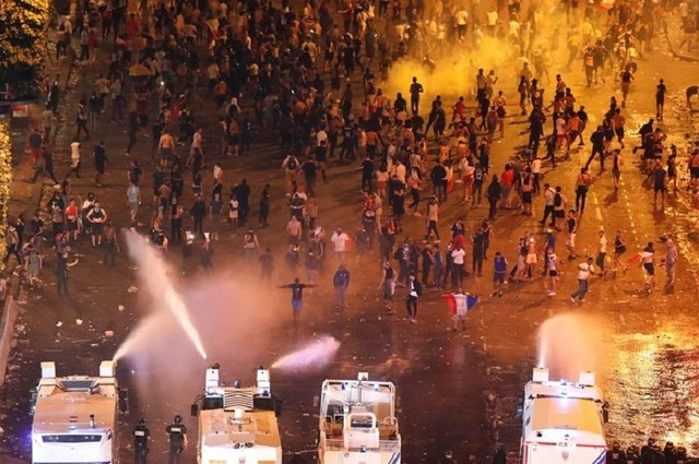 Casi 300 detenidos en Francia por incidentes durante los festejos del Mundial