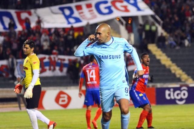 Universitario cae 1-3 con Bolívar