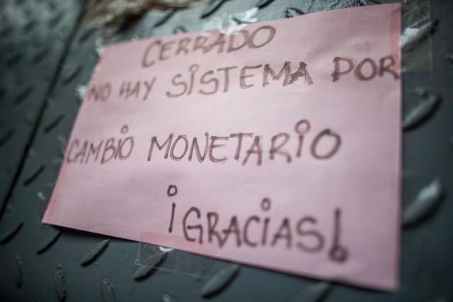 Venezuela entra en proceso de reconversión monetaria con apagón electrónico