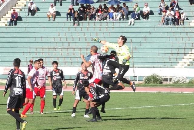 Independiente gana el duelo de equipos chuquisaqueños