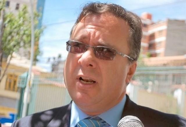 """Alarcón asegura que """"el gonismo y el evismo"""" encaran guerra sucia contra Mesa"""