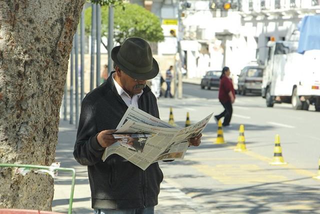 El periódico, después de informar