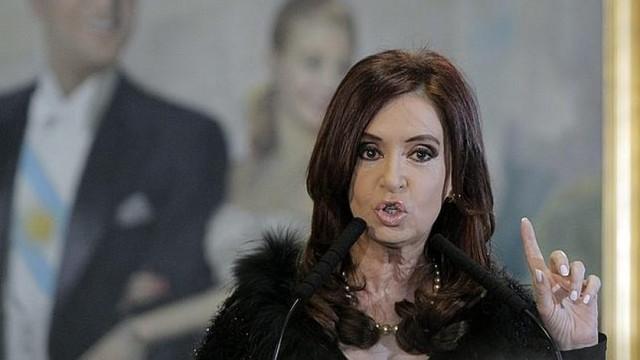 Confirman procesamiento con prisión a Cristina Fernández en caso de sobornos