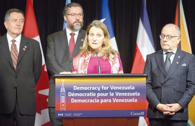Maduro rechaza ayudas y Guaidó suma respaldo