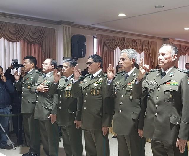 Posesionan a nuevos directores y comandantes departamentales de la Policía