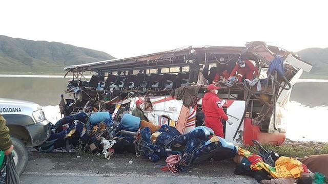 Se eleva a 24 la cifra de fallecidos por colisión en Oruro