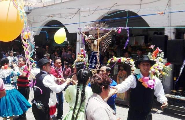 Compadres le dan la bienvenida al Carnaval