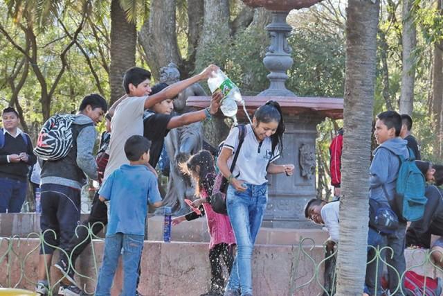 Prohíben el uso desmedido del agua en Carnaval