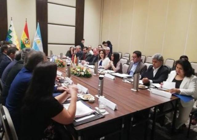 Jujuy propone que se le compense con gas la atención a bolivianos