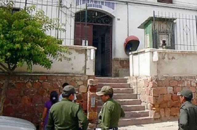 Envían a prisión a policía acusado de tentativa de violación a menor