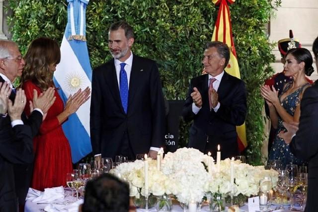 Felipe VI ratifica apoyo de España a reformas económicas de Macri