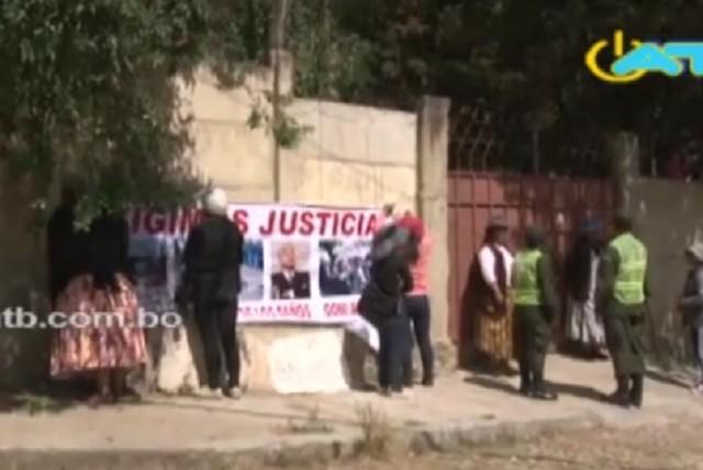 """Un grupo de víctimas de """"Octubre negro"""" intentó tomar una propiedad de Goni"""