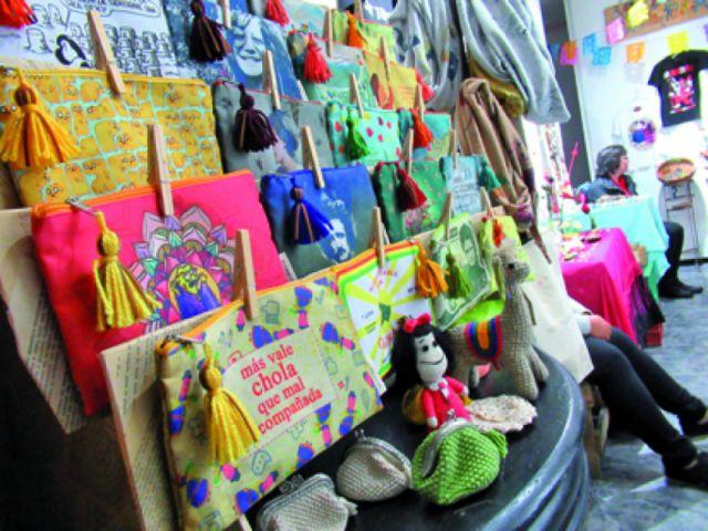 Artesanos se lucen en Feria Watacama de El Mercado
