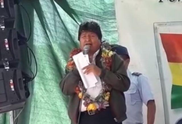 Evo Morales acusa a activistas de contaminar