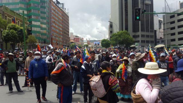 Marcha de El Alto llega al centro de La Paz - Correo del Sur