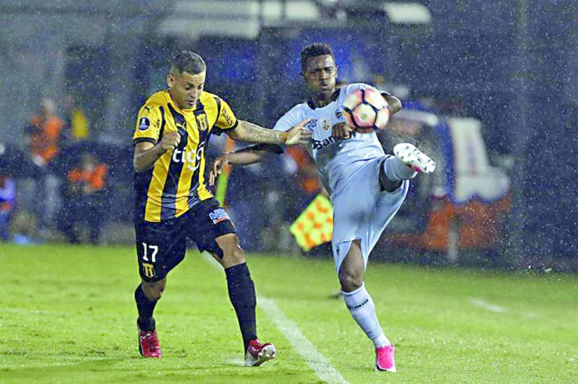 Gremio y Guaraní firman tablas y comparten punta