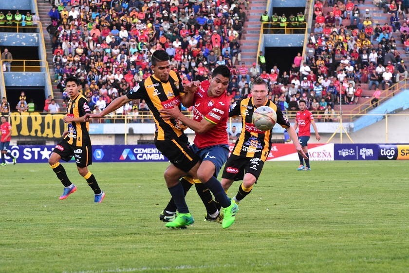 The Strongest y Wilstermann firman tablas en Cochabamba
