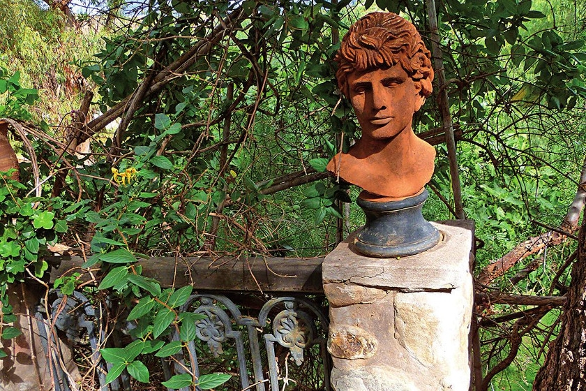 Una estatua con los trazos del renacentismo italiano.