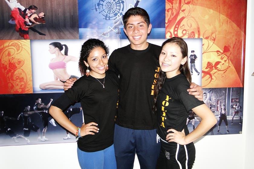 Soledad Betancourt, Josué Arce y Yolanda Jaita