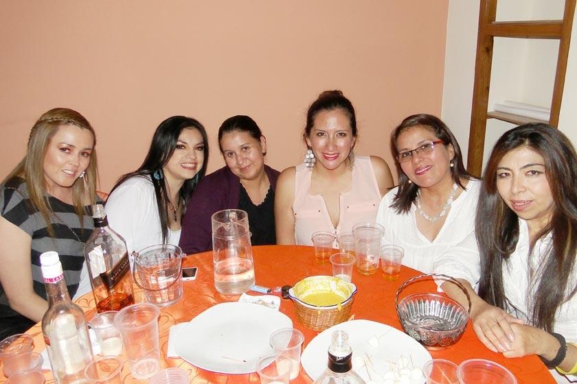 Thzael Poppe, Viviana Balcázar,  Liliana Ovando, Patricia Rosales, Eliana Torrez y Rhina Bustillos