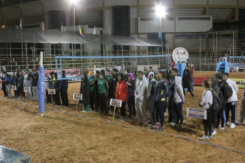 Anoche se inauguró el Circuito Sudamericano Sudamericano en las canchas de arena de Garcilazo