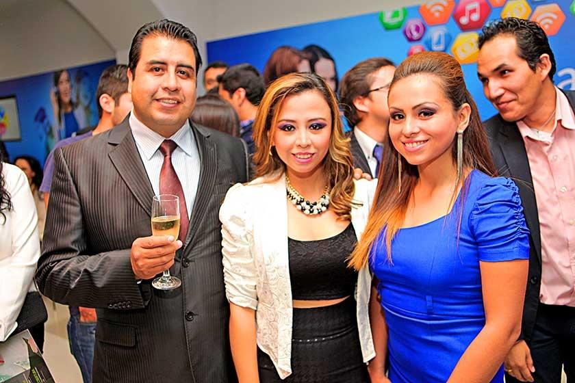 Alejandro Álvarez, Fabiola López y Giovanna Herboso