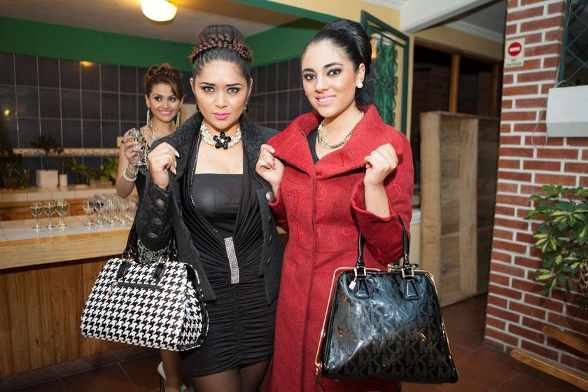Jenny Aguilar y Paola Arduz
