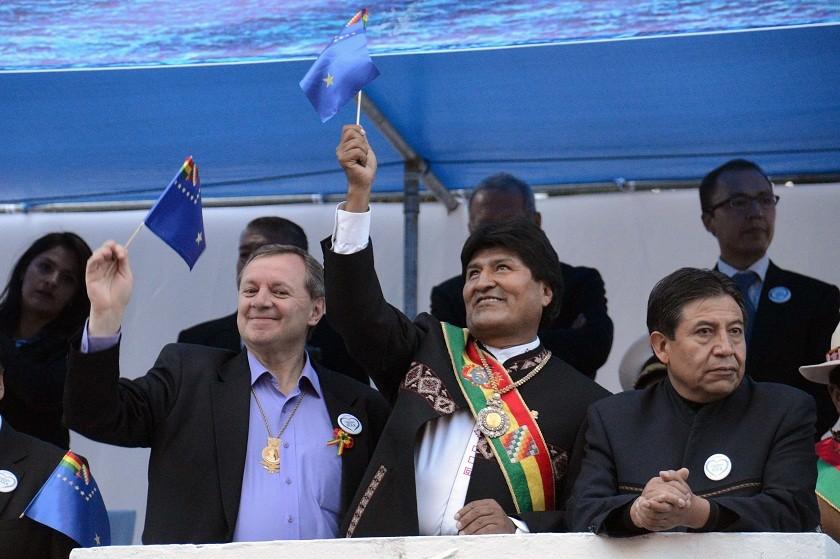 Evo Morales participa de los actos conmemorativos a la defensa de Calama. Foto: ABI