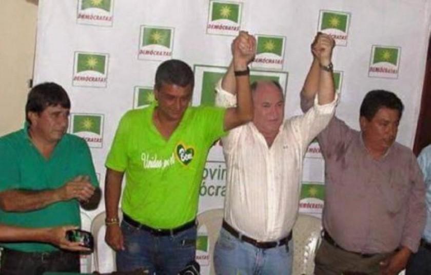 Dellien (2d) junto a Suárez (2i)y otros dirigentes políticos de Beni. Foto: El Deber