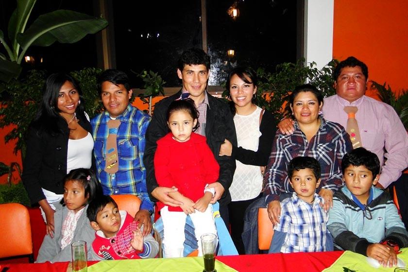 Arriba: Katherine Quiñones, Rómulo Fortún, Marcelo Bildozo, Claudia Cortes, Lilian y Xavier Sánchez.