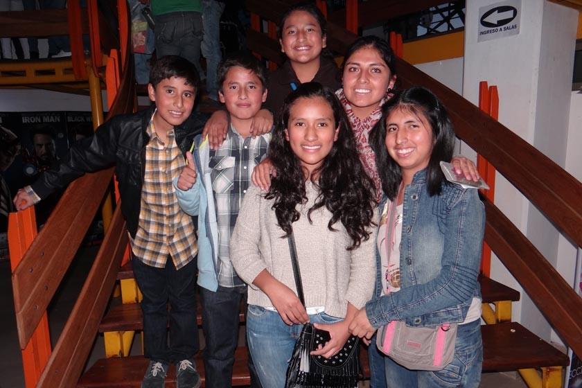 Jorge Vargas, Luís Saavedra, Nieves Saavedra,  Valeria Vargas, Nieves Saavedrea y Ester Saavedra.