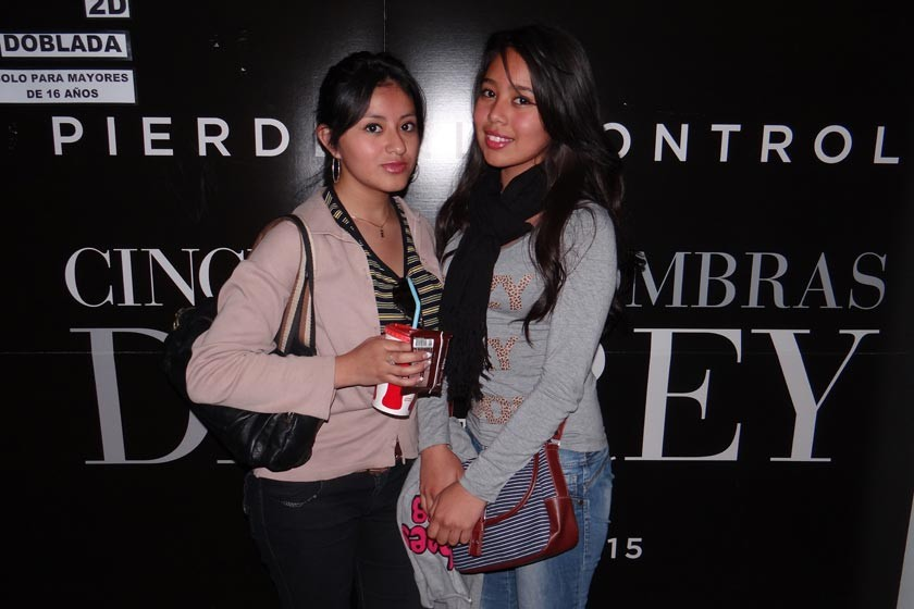 Nayra Gutiérrez  y Fernanda Amusquivar.
