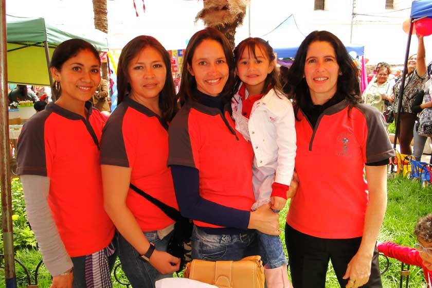 Carla Chávez, Mónica Ore, Ximena Espada, Flavia Velasco y Mónica Pareja.