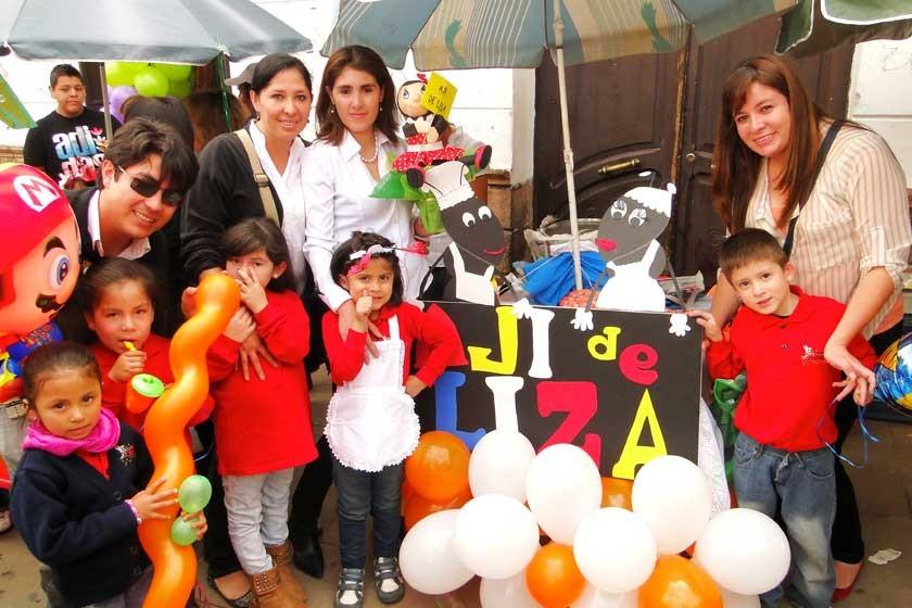 Arriba: Luis Berrios, Adriana Bustos, Hazel Delgadillo y Paola Bonifaz.