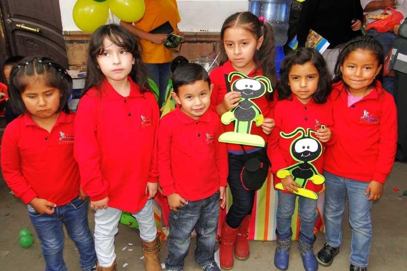Ángela Loayza, Renata Auza, Santiago Mamani, Manuela Méndez Roca, Sofía López y Abril Loza.