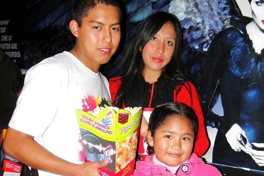 José Luis Arias, Paola Romero y Yamina Antonel.