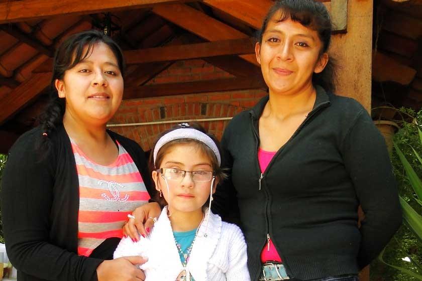 Yean Karla Miranda, Natalie Cáceres y Leslie Miranda.