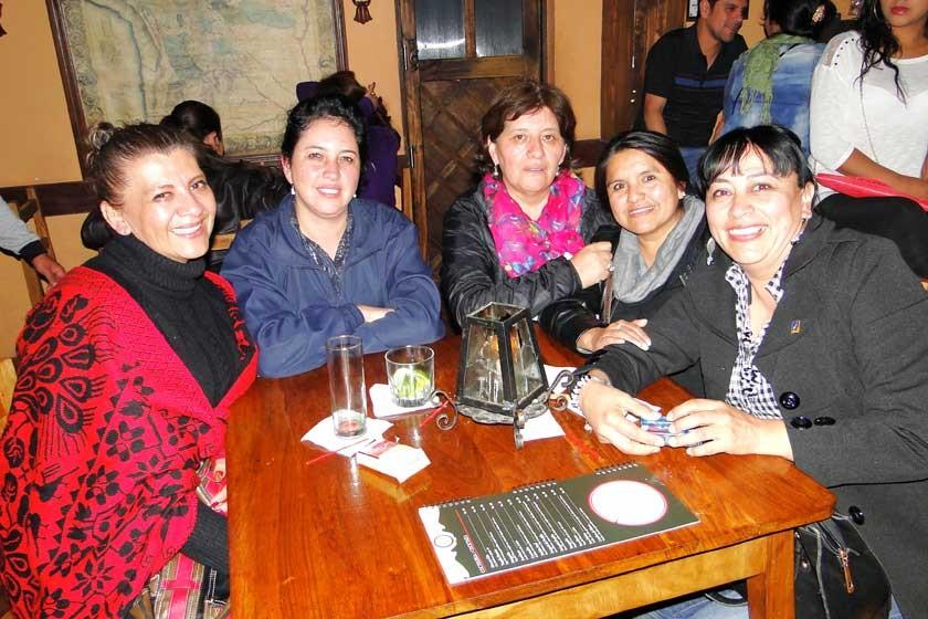 Paola Mostajo, Mónica Civera, Virginia Mostajo, María Elena Villanueva  y Mariel Domínguez.
