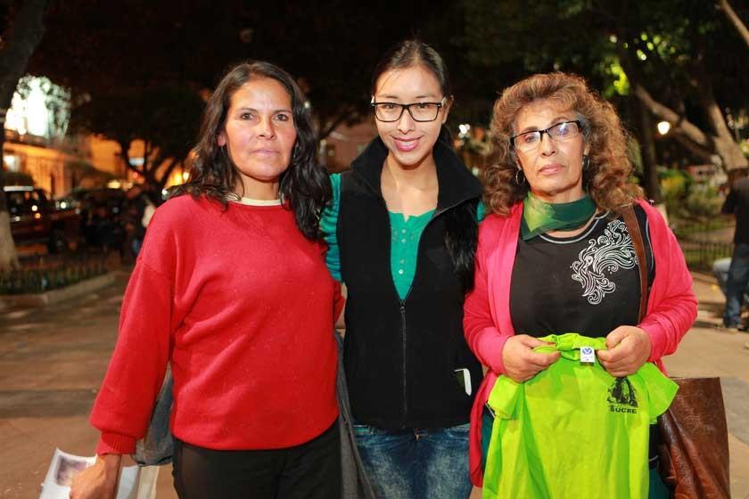 Litzi Martínez, Valeria Flores y Vilma de Chavarría.