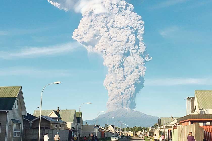 Volcán causa alarma en Chile