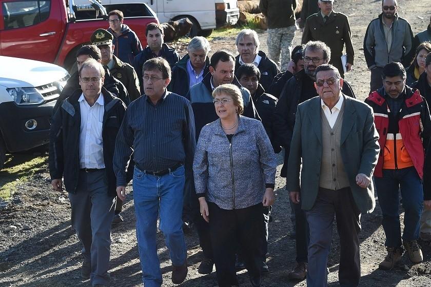 La presidenta de Chile, Michelle Bachelet, durante su visita a Puerto Varas. Fotos: EFE