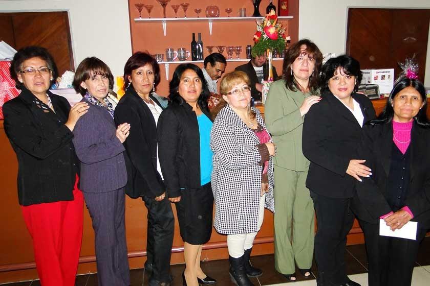 Miriam Lozada, Yolanda Encinas, Cristina Antezana, Laura Maruja, Nelly Sosa,  Ivonne Delgadillo, Neyza Rodríguez, y Máxi