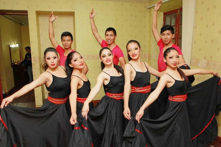 Ballet Capezio.