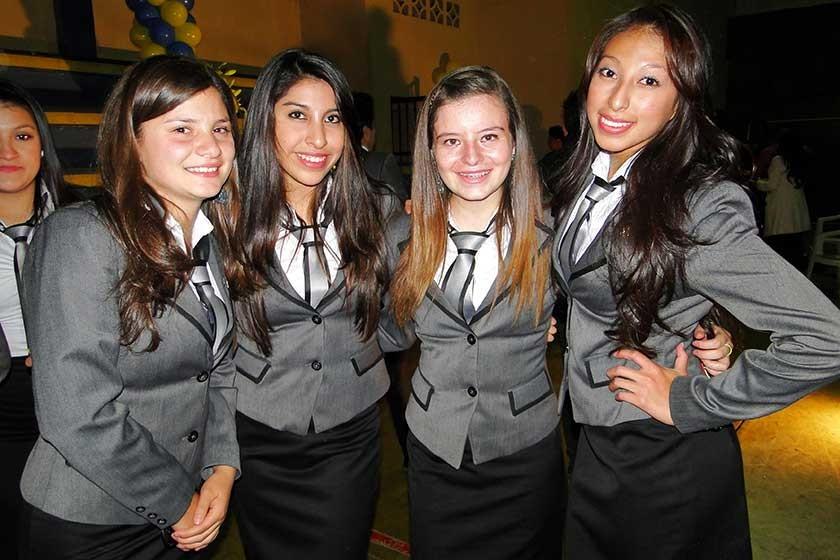 Laura Flores, Fernanda Martínez, Grace Serrano y María Alarcón.