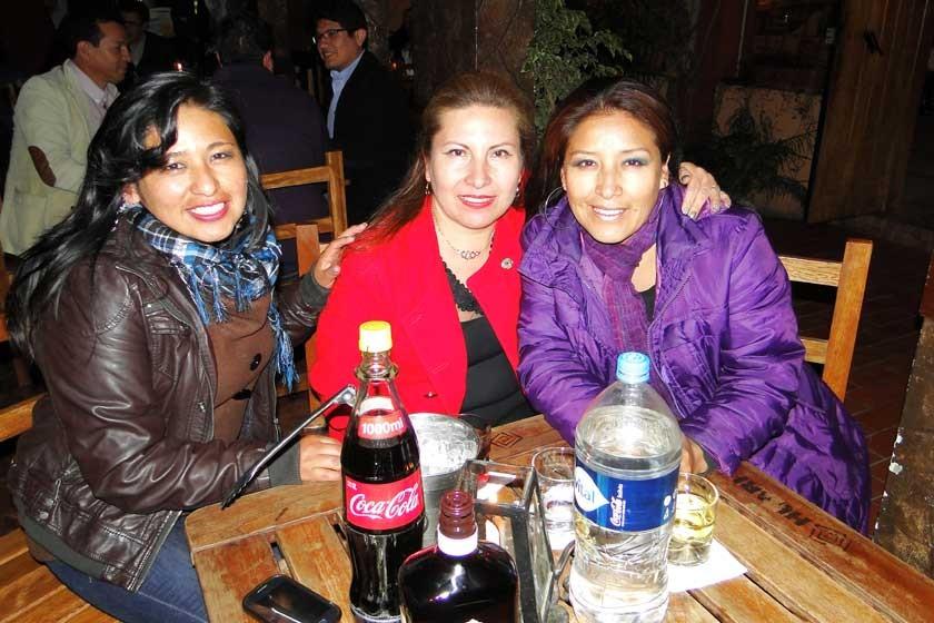 Mariela Condo, Victoria Aguilera y Janeth Frías.